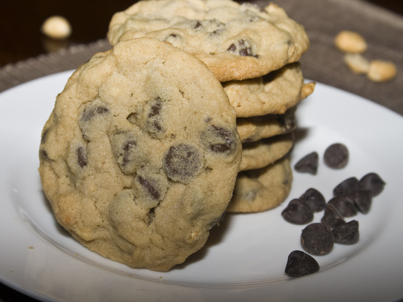 Chunky Chocolate Chip Peanut Butter Cookies01_1