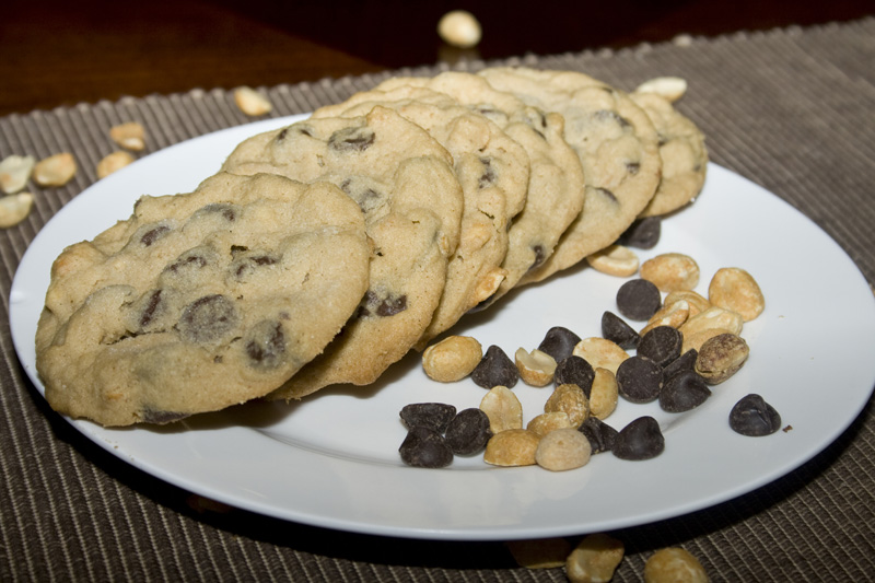 Chunky Chocolate Chip Peanut Butter Cookies02