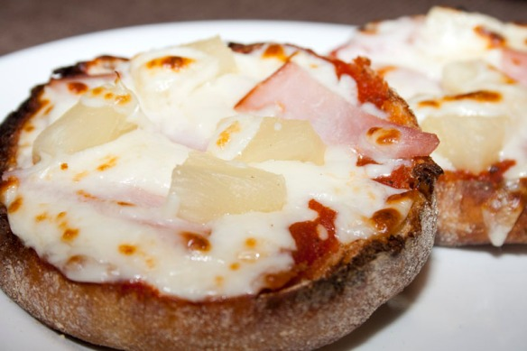 English Muffin Pizzas02