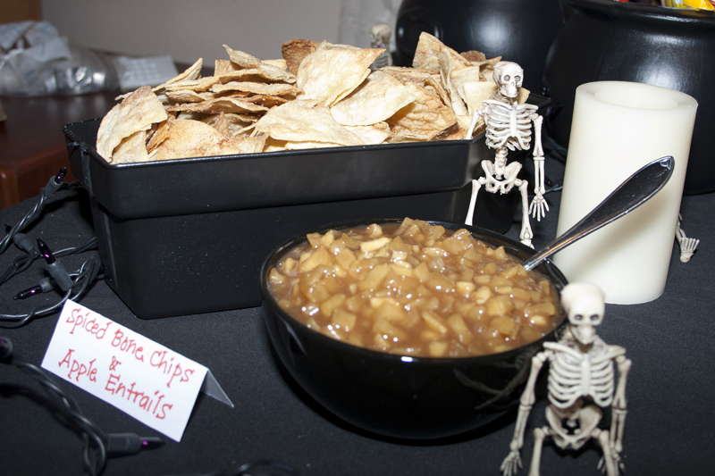 Spiced Bone Chips and Apple Entrails (Apple Pie Dip and Cinnamon Chips ...