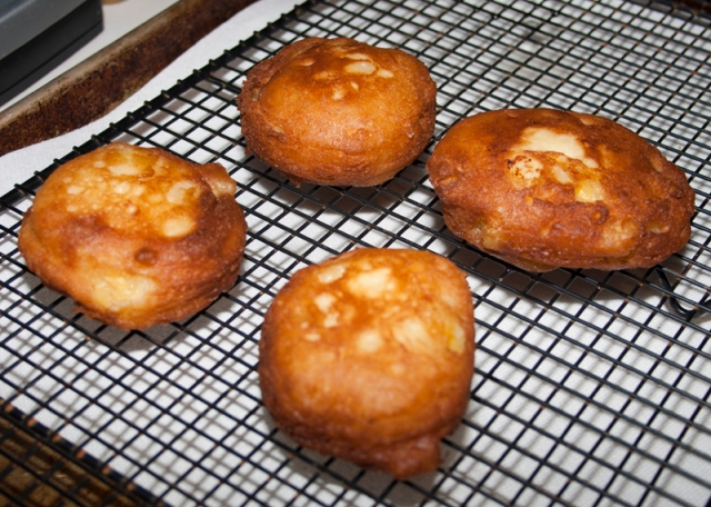 Banana Fritters with Spiced Glaze06
