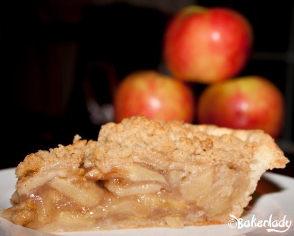 Honeycrisp Dutch Apple Pie - Bakerlady