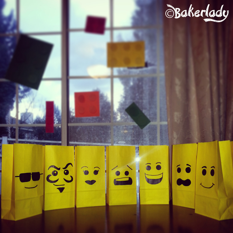 """The """"Everything is Awesome"""" Totally Amazing Lego Party! – Bakerlady"""